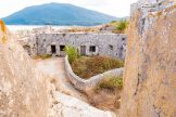 sappho-boutique-suites-sights-ruins-monument